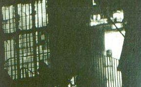 Una mujer fantasmal que fue tomada en el ayuntamiento de Wem