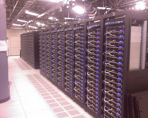 Granja de servidores o torre de servidores