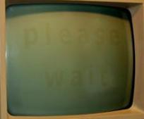 Monitor CRT monocromático quemado, incluso visible cuando el monitor se apagaba por completo. En este caso se trata de una obra de arte del artista Steven Lee. (imagen de dominio público)