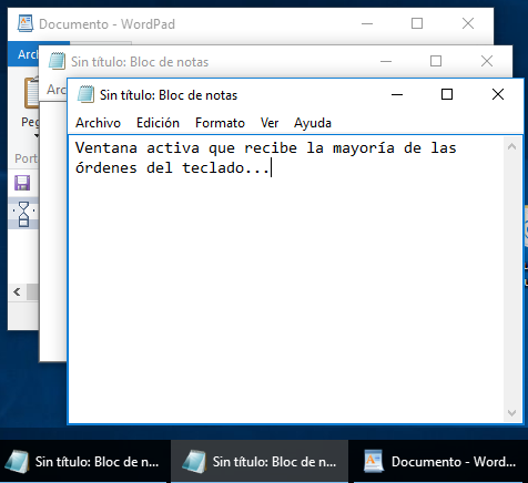 En Windows una ventana activa tiene una barra de título de un color diferente al de una ventana de fondo o inactiva