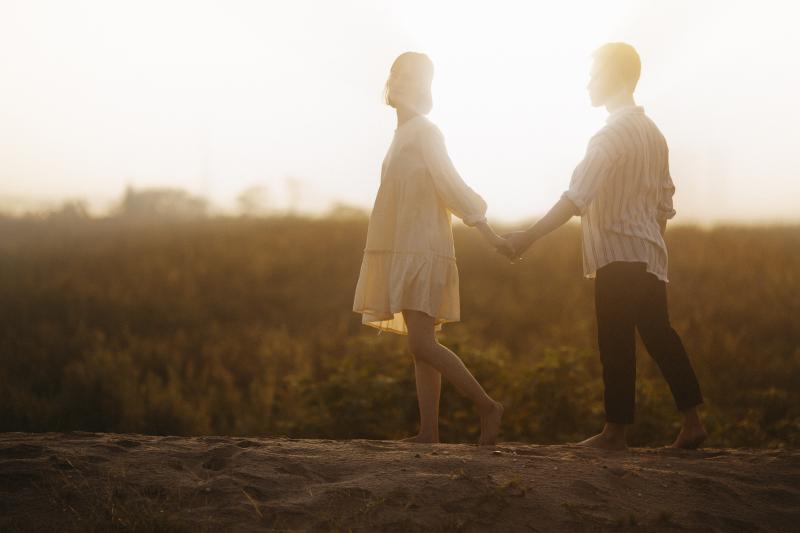 15 formas de conquistar/enamorar a una mujer del signo Acuario